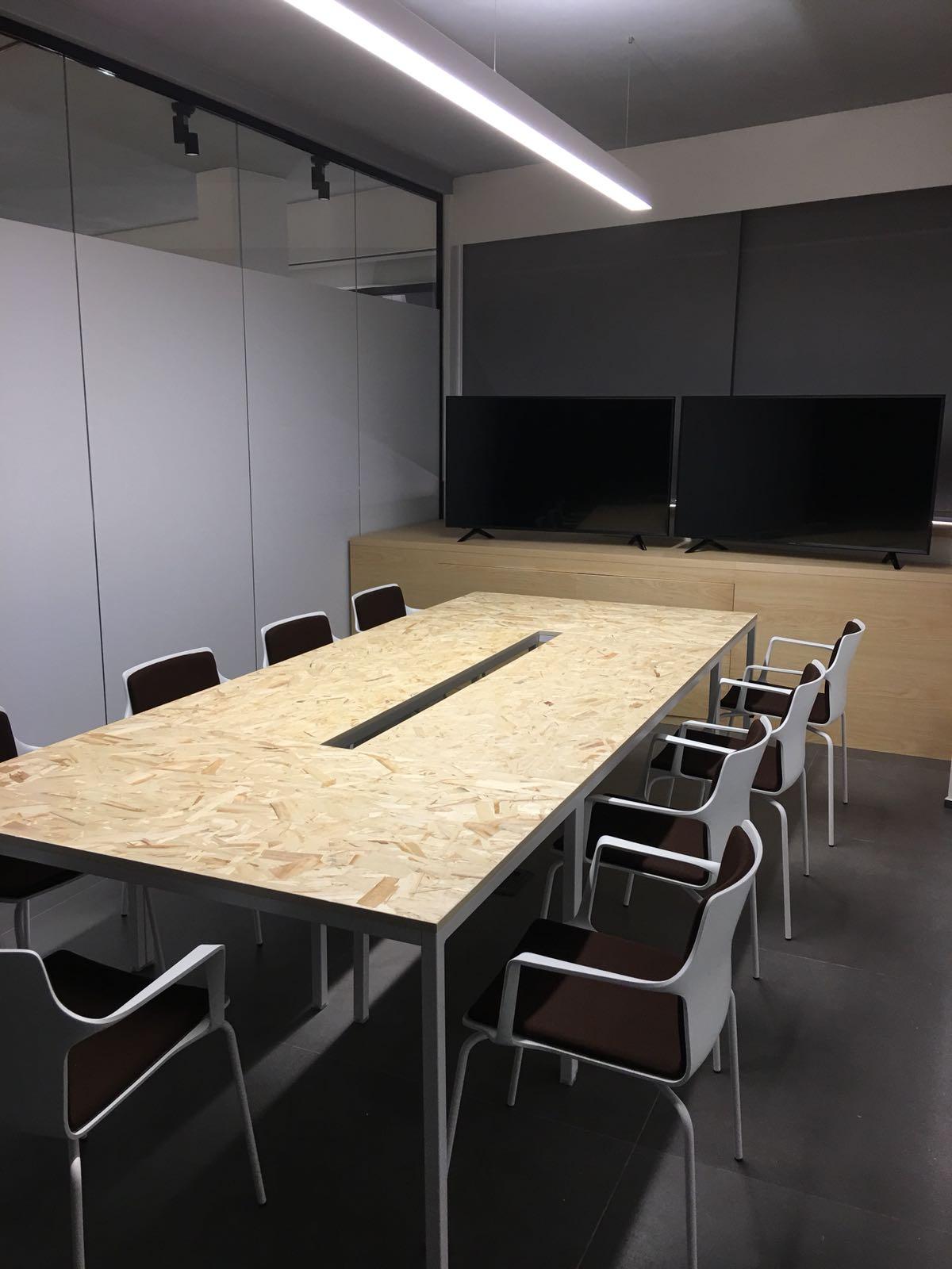 IBCenter Happy Working, Business Center, Uffici arredati a tempo, Coworking , Sale Meeting.